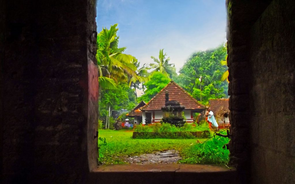 Neelamperoor-palli-bhagavati-temple