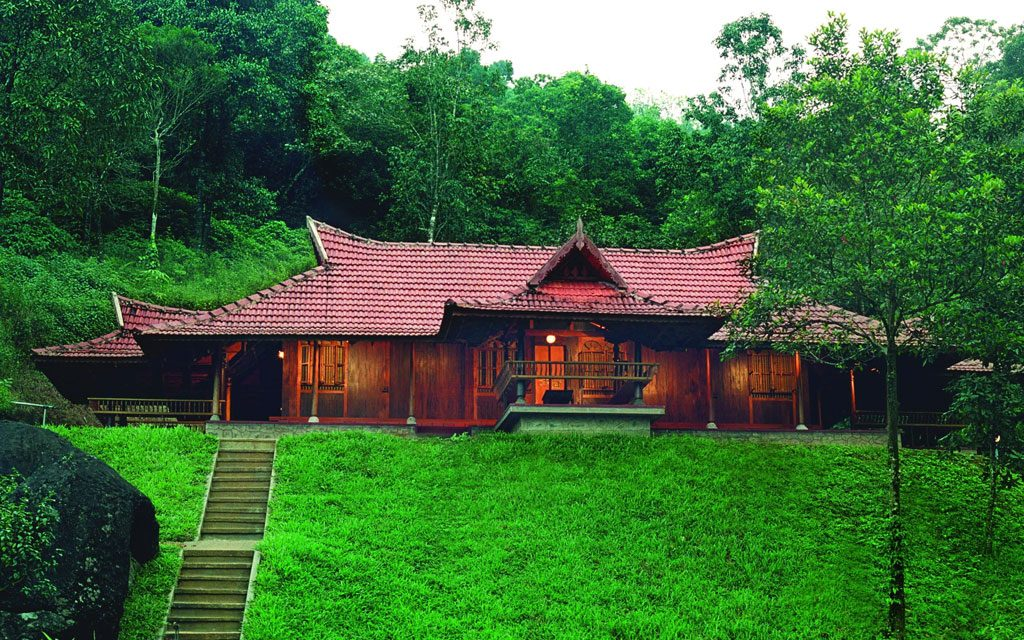 Kerala family tour - Best places to visit in Kerala with family.