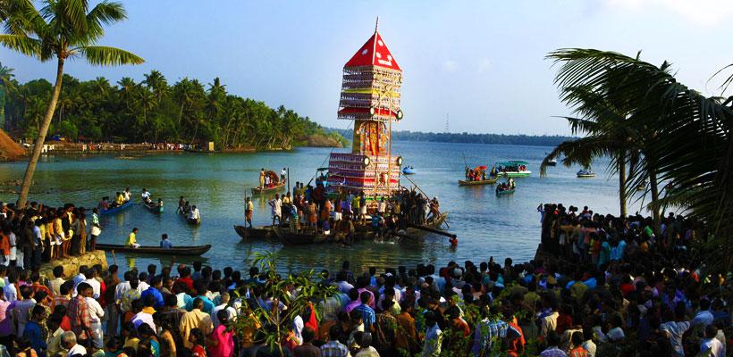 A glimpse of Chettikulangara Kettukazhcha