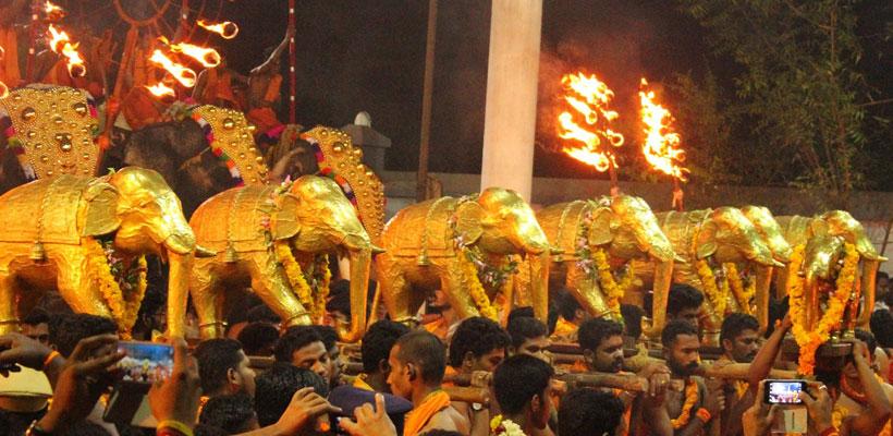 Ezhara ponnana festival in Ettumanoor Mahadeva Temple, Kottayam