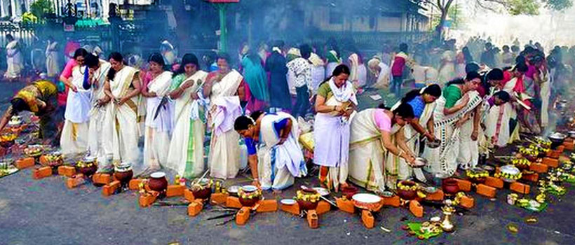 Women devotees offering the pongala ritual on the occasion of 'Attukal Pongala' in Attukal Bhagavathy Temple, Trivandrum, Kerala