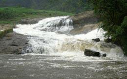 pallivasal-falls-devikulam
