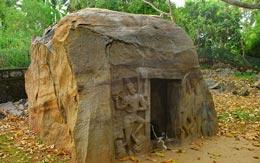 izhinjam-rock-cut-cave-temple-kovalam