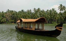 poovar-backwater-cruise