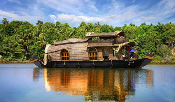 Alleppey-houseboats