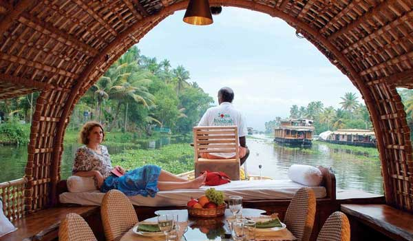 Munnar – Alleppey (Houseboat)